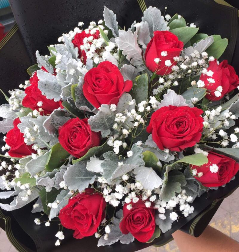 Bouquet of A Dozen Red Roses (4mua HHF-R02BO)