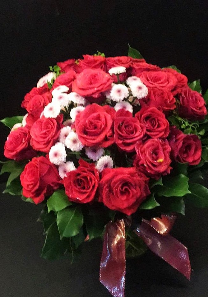 Two Dozens Red Roses in vase (4mua BMS-007C)