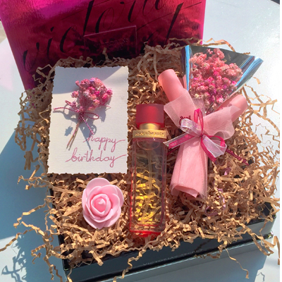 Flowers and Gifts in box (4mua BMS-FNG012)