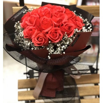 18 Red soap Roses bouquet with Baby's breath (4mua BOU-RO18RSOAP)