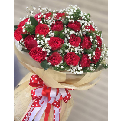 28 Red Ohara Roses with baby's breath bouquet / SaiGon only (4mua BOU-RO28OHA)