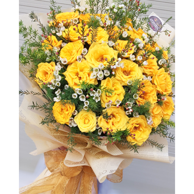 28 Yellow Tiny Roses and white bouquet (4mua BOU-RO28YEL)