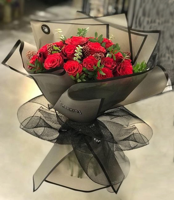 Two Dozen Red Roses bouquet (4mua HHF-24RRBO)