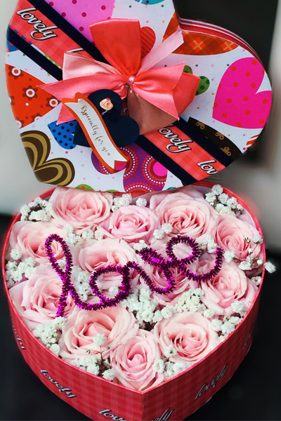 LOVE MY BE LOVE - TWO DOZEN PINK ROSES IN HEART BOX (4MUA HHF-PR024HEART)