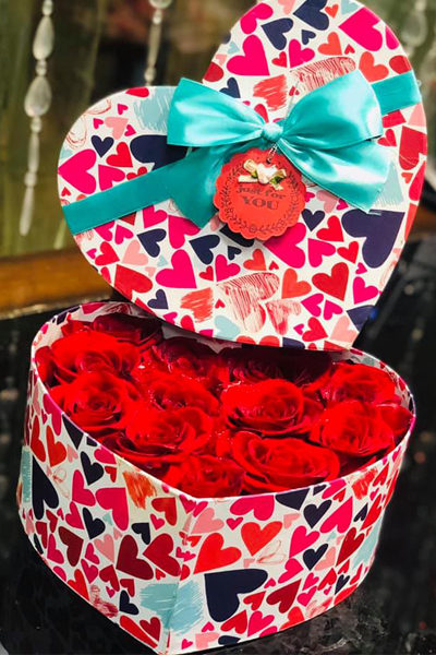 Two Dozen Red Roses in Heart Box (4mua HHF-R024HEART)
