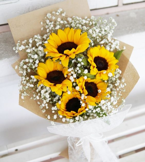 Sunflower graduation bouquet (4mua HHF-SUN02BOU)