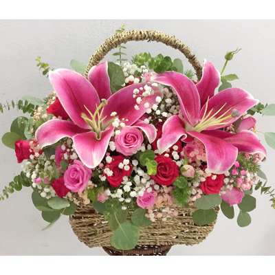 Roses and Lilies in basket (4mua VAO-011)