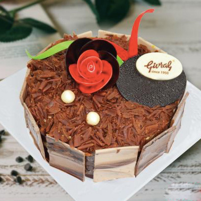 Black Forest Cake 8-10 persons / 16cm / SaiGon only (4mua VOT-006BLFO16)